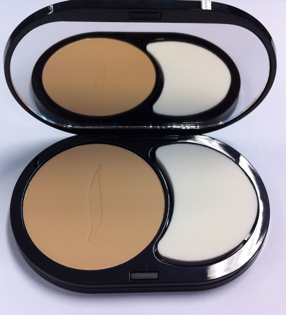 Review Sephora 8 Hr Wear Mattifying Compact Foundation Powder In 24 Mediumglamify Sg